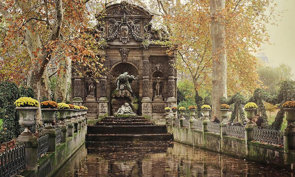Boujour tristesse. Goldener Herbst an der Seine.