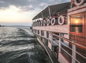 Mainau Insel Cruise mit der Hohentwiel bei Sonnenuntergang © Michael Häfner