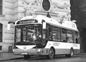 Zwölf E-Busse verkehren in der Wiener Altstadt und sparen jährlich 300 Tonnen CO2 ein. © Wiener Linien, Thomas Jantz