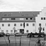 2013 Wohn- und Geschäftshaus Haus am See, Am Kaiserstrand, Lochau Denkmalgeschütztes Wohn- und Geschäftshaus mit 4 Geschäftseinheiten + 11 Wohnungen © Bauart