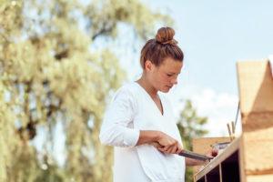 Koch Kollegin Milena Broger am Grill